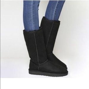 Ugg classic tall black boots size 8